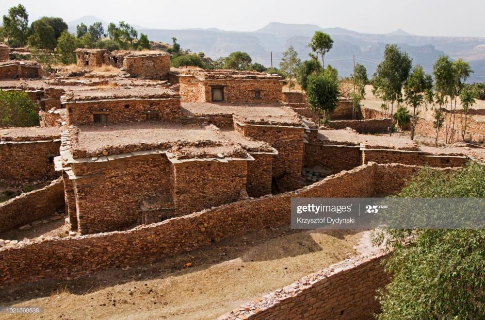 stone-houses-in-debre-damo-monastery-eth
