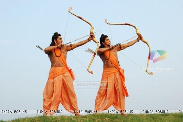 32995-ram-and-lakshman.jpg