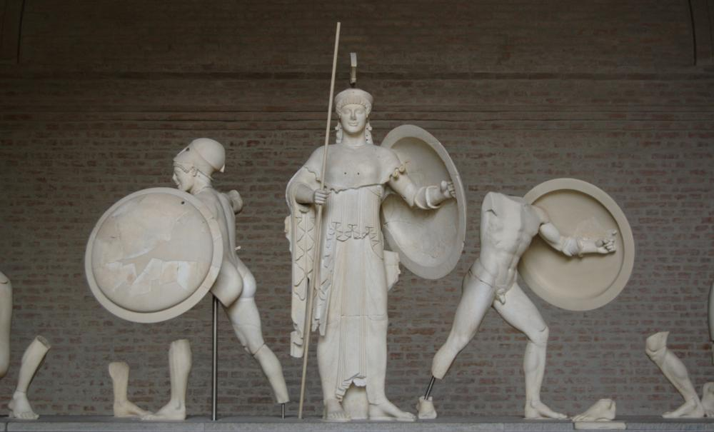 https://upload.wikimedia.org/wikipedia/commons/c/ca/Aphaia_pediment_5_central_Glyptothek_Munich.jpg