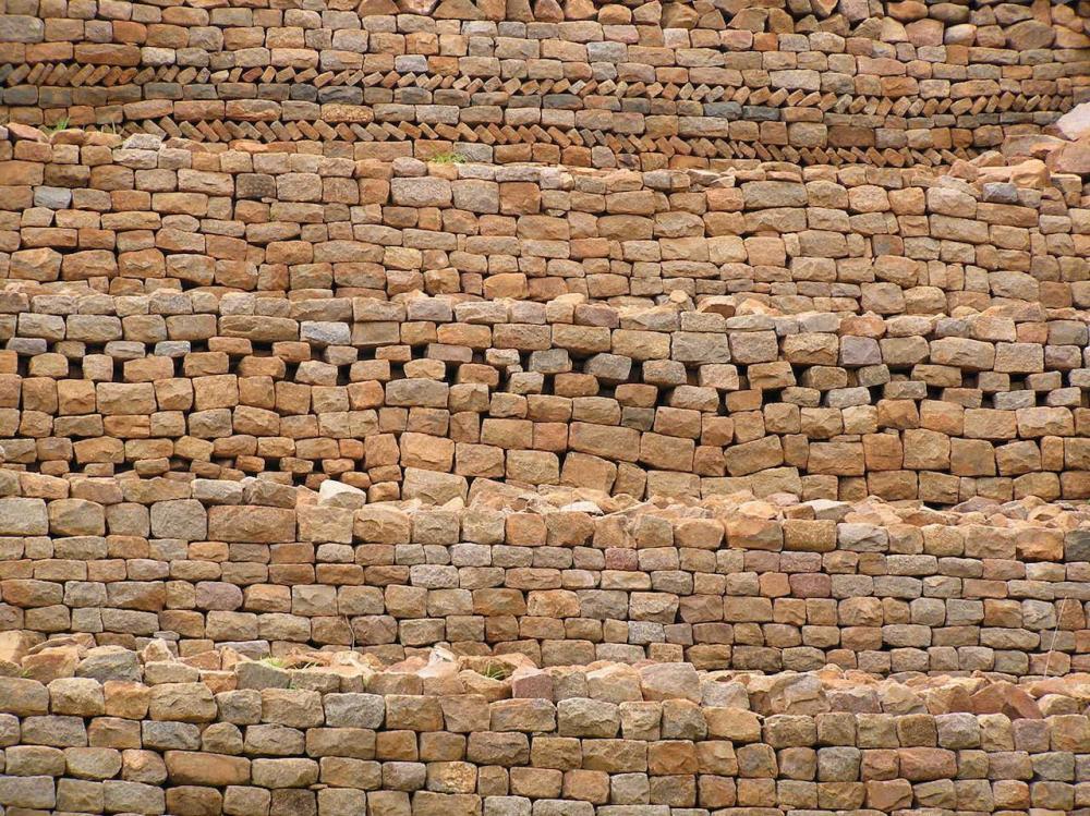 Khami-Ruins-up-close-in-Zimbabwe.jpg