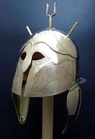 Resultado de imagen para samnite helmet