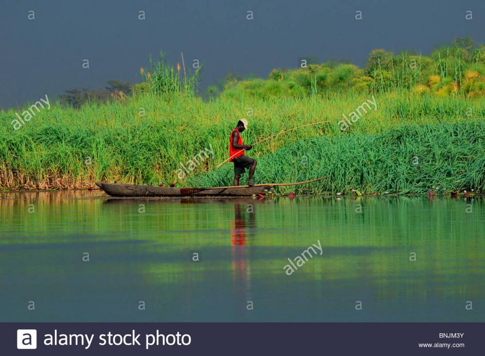 local-fisherman-zambezi-river-kasane-cap