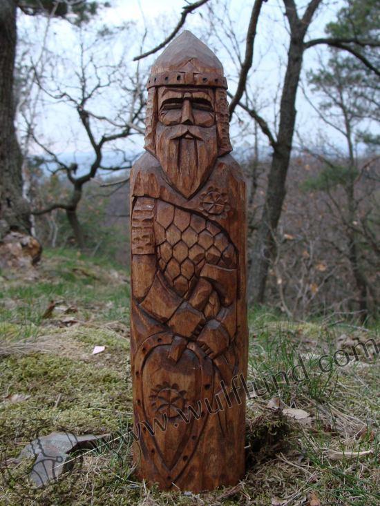 perun-hand-carved-statue_2.jpg
