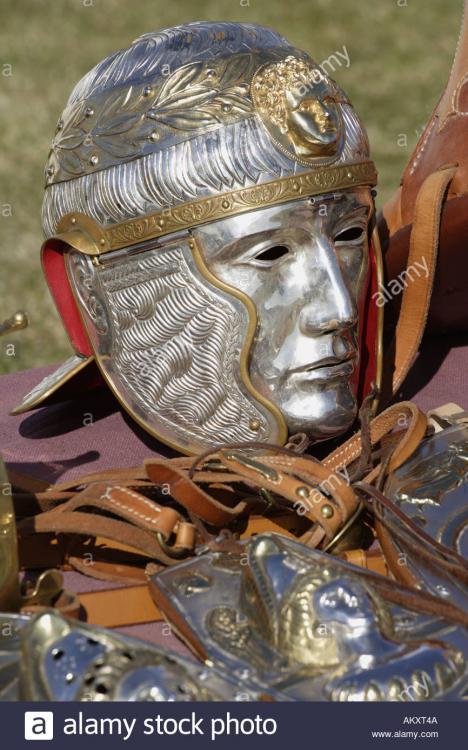roman-signifers-standard-bearers-ceremon