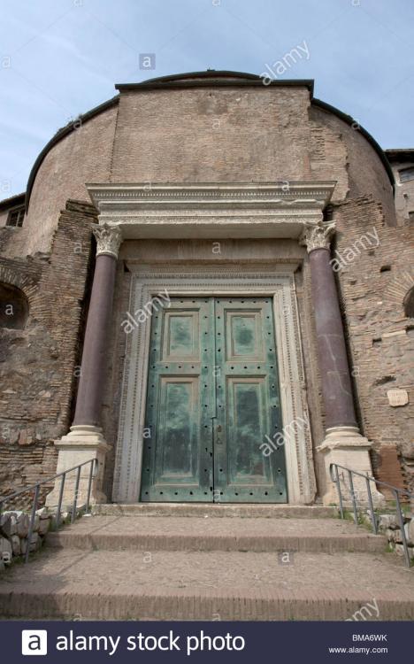 Resultado de imagen para roman doors