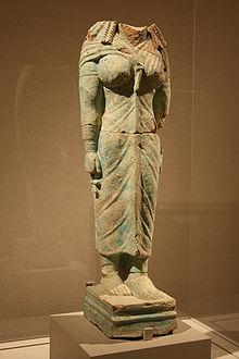 220px-Aegyptisches_Museum_Berlin_InvNrKA_20080313_Goettin_Isis_aus_Naga.jpg