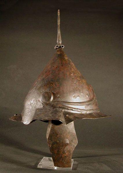 9faeb9180667c662466f726de8e98bae--greek-helmet-ancient-greek.jpg