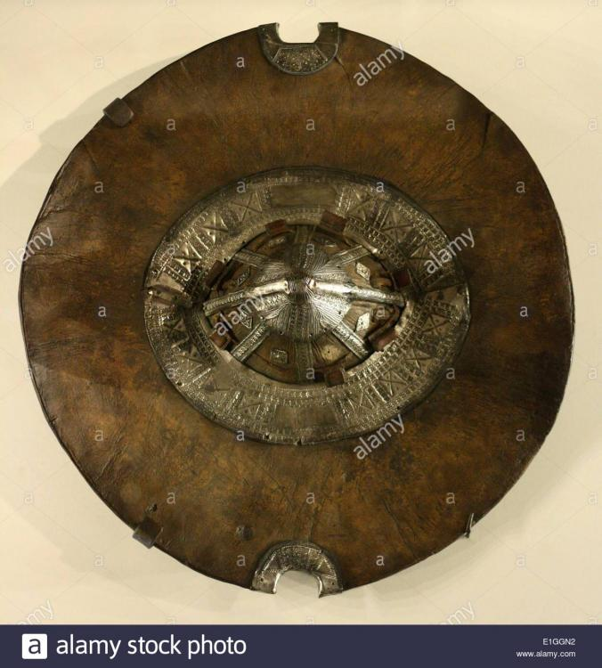 african-metalwork-shield-from-the-beja-people-in-sudan-19th-century-E1GGN2.thumb.jpg.d442a3e33e36664f3ac0ae15cb15e6dc.jpg
