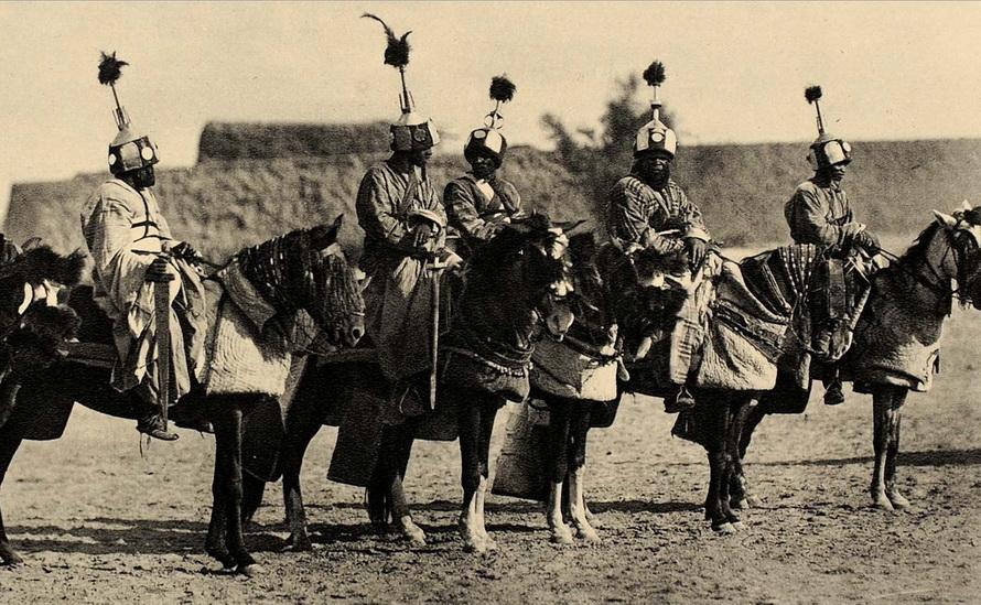 5a7d9b3fd5b09_cavalrybodyguardsoftheShehuofDikwaBornuEmirateinNigeria.jpg.eff7d7b97d5ec718c6a9911f802ea228.jpg