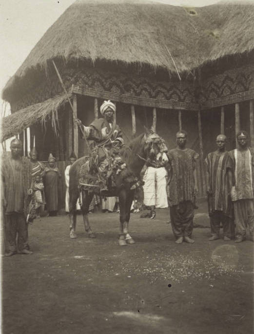 Nz_Monkuob_an_uncle_of_King_Ndjoya_on_horseback.jpg.9dbdeda0584a0c3132bfb565eeccf59d.jpg