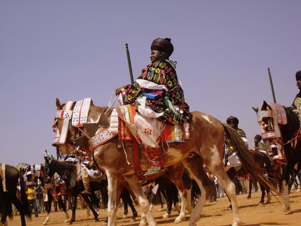 horseback-riders.thumb.jpg.788bb67907c04bd0d04983b3f6c829ae.jpg