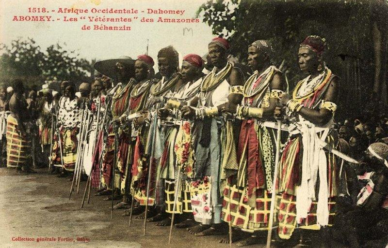 2026622736_The_clbration_at_Abomey(1908)._-_The_veteran_amazones(_AHOSI_)_of_the_Fon_king_Bhanzin_Son_of_Roi_Gl.jpg.e61f1c4633d351d4c8cabfde16184580.jpg