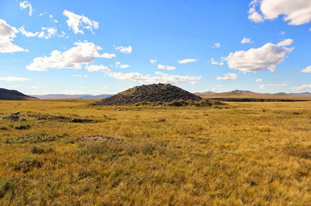Archaeology-of-Mongolia.thumb.jpg.5108de33a4fb1fd28ffe6828a8083254.jpg