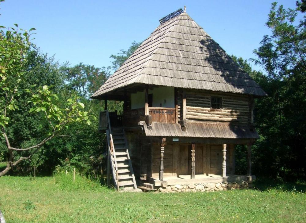 gorj-curtisoara-romania-traditional-romanian-house-rural-eastern-europe.thumb.jpg.dc39f149f94b949bf7dd281017abdfcf.jpg