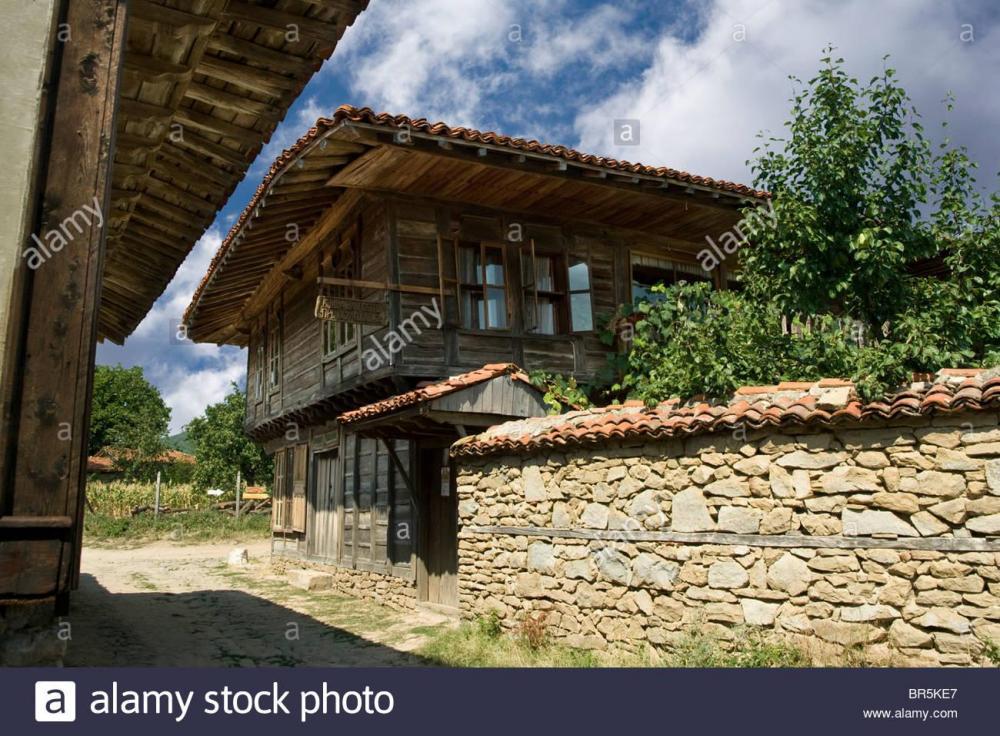 jeravna-a-little-bulgarian-museum-village-with-traditional-architecture-BR5KE7.thumb.jpg.15286397fd2c7589745d14e712455902.jpg