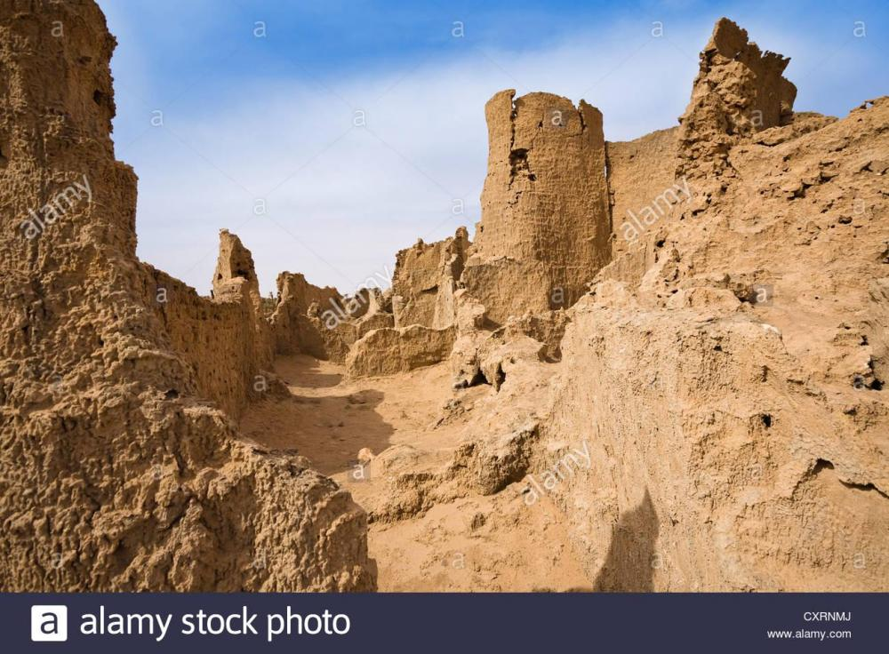 ruins-of-germa-the-medieval-capital-of-the-garamantes-libya-sahara-CXRNMJ.thumb.jpg.bf67791395584dc1f4c7a915dcc1c90f.jpg