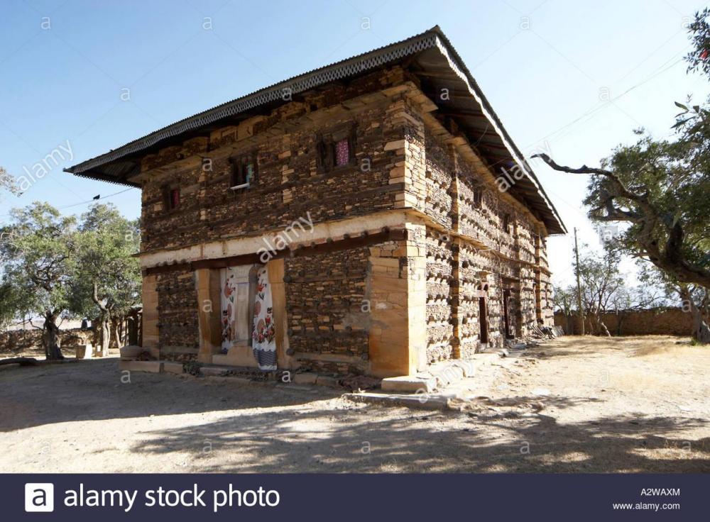 aksumite-church-in-2800m-high-debre-damo-mountain-cliff-top-monastery-A2WAXM.thumb.jpg.aedadea4d20d2d89ddb89ba124f31265.jpg
