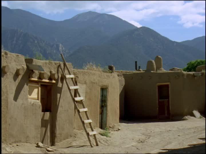 900819528-pueblo-house-adobe-style-clay-house-taos-pueblo.jpg.42e6c6ab3e5b06e088e114364e0435b6.jpg