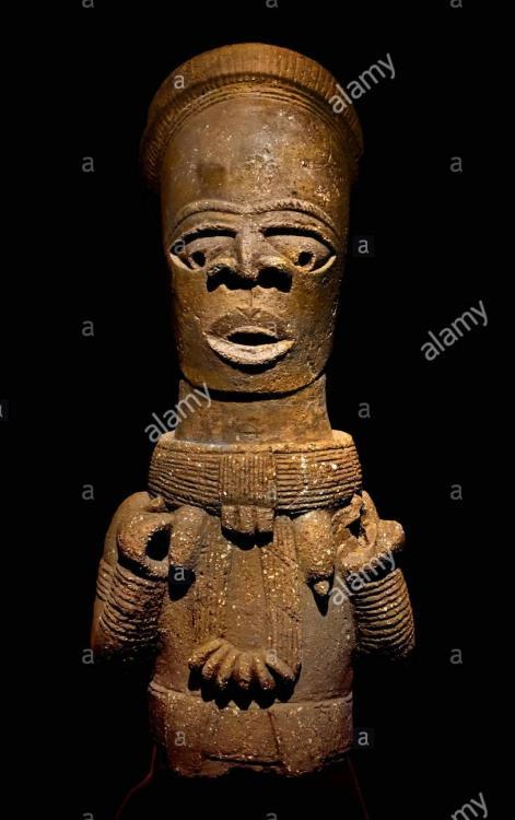 bust-of-woman-priestess-nobility-or-divine-ancestor-5th-century-nok-FB70Y6.thumb.jpg.7d18af2abd66c5fbf27434aa41967f51.jpg