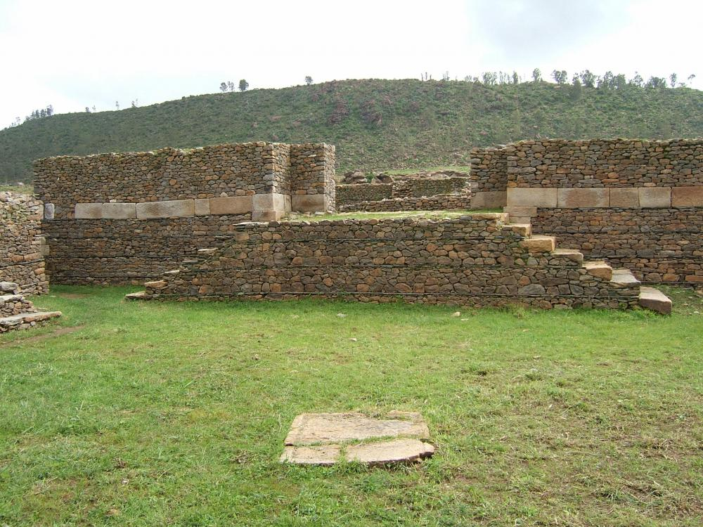 1391158387_Ruins_in_Aksum_Ethiopia.thumb.jpg.458025dbef82baa0b0c7b4c63777b063.jpg