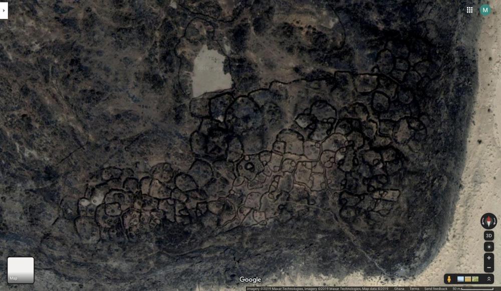 642067303_DharTichittneolithicwestafricanstoneruinstownsaharadesertescarpment.thumb.jpg.523294d5b775b6c0b9263e2030b5fee9.jpg