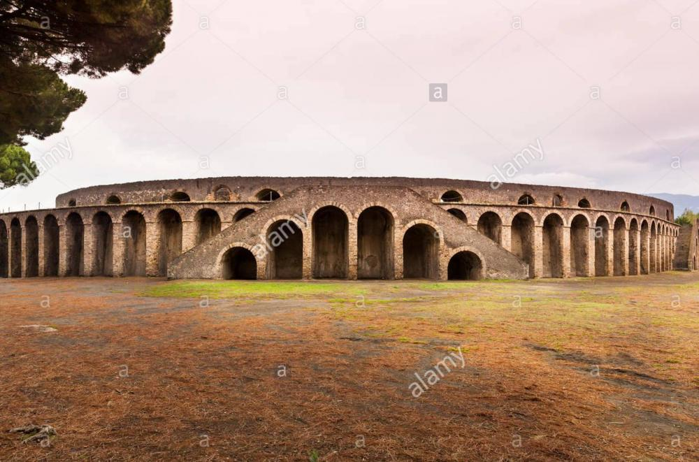 the-ancient-roman-amphitheatre-at-pompeii-italy-F63X0W.thumb.jpg.3743a81a950c6ec5e1b8b9892cd71e47.jpg