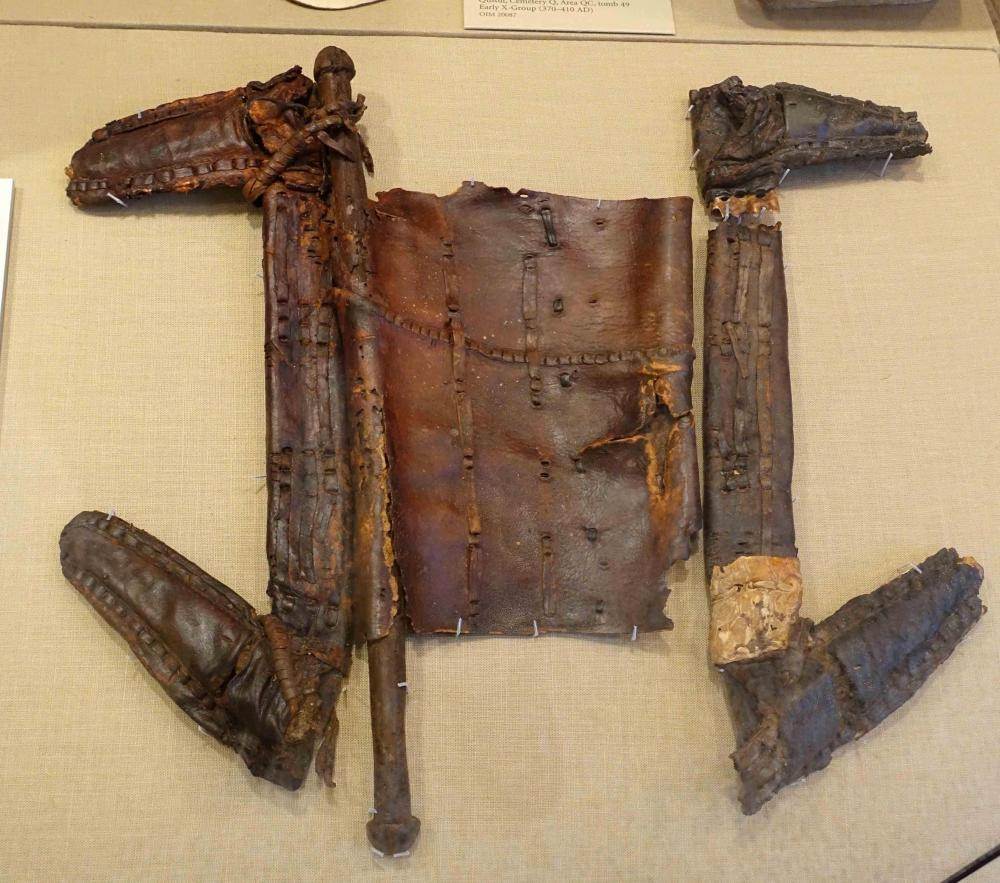 1Saddle,_Nubia,_Qustul,_Cemetery_L,_Noubadian,_X-Group_culture,_c._375_AD,_described_as_the_world's_oldest_known_saddle_to_use_a_frame_-_Oriental_Institute_Museum,_University_of_Chicago_-_DSC08071.jpg
