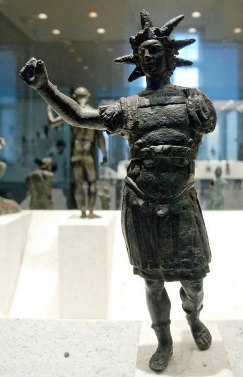 Statue-Helios.jpg