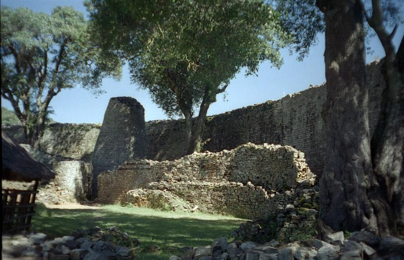 Great-Zimbabwe-2.jpg