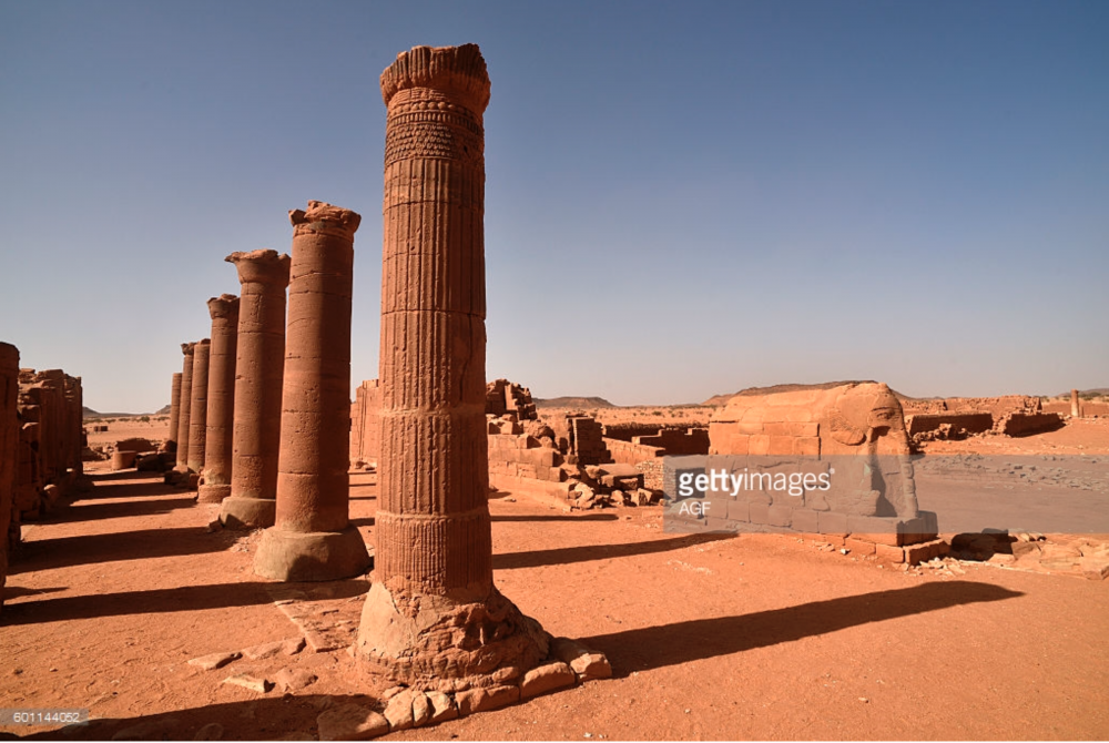 row of columns from musawwarat.png
