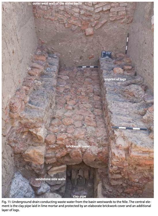 Meroë drainage pipe water works royal baths.jpg
